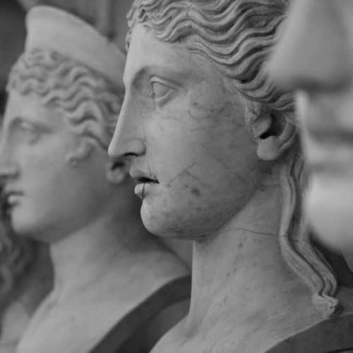 Religuón Romana-Monarquía-República