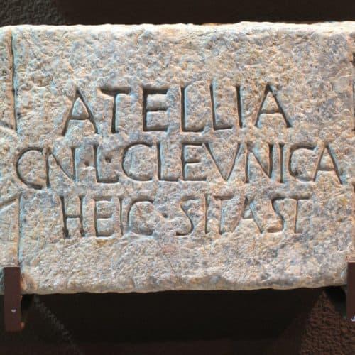 La epigrafía funeraria