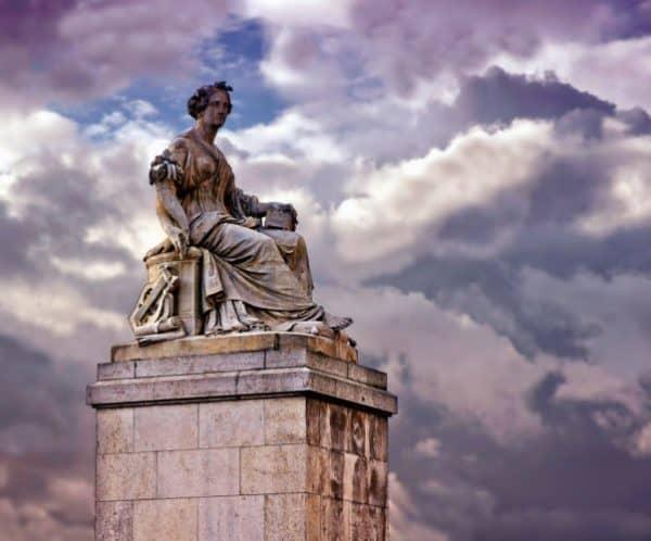 literaturas clásicas en las vernáculas