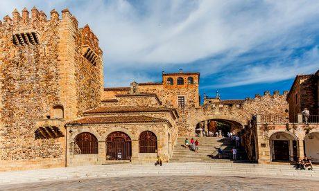 Cáceres-arco-estrella-plaza