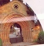 Portada del cementerio