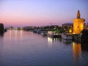 Paisajes urbanos del Guadalquivir entre Córdoba y Sevilla