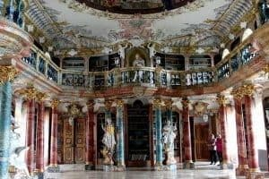 La lírica barroca-literatura