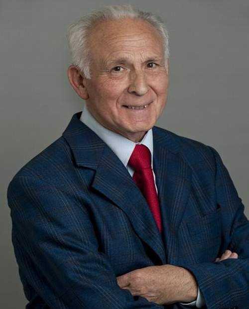 Jose Azurmendi-Ensayo