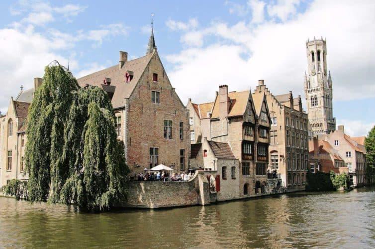 Bélgica-brujas