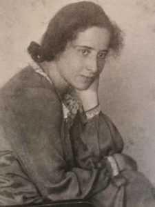 Mujeres en la Filosofía-Hannah-arendt-en-1924