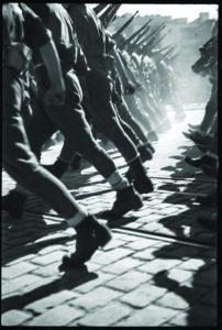 La Guerra infinita-antoni campañà el pas dels vencedors desfilada de la victoria franquista a barcelona 21 de febrer de 1939