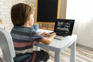 Innovación educativa-mesa-educar-en-virtualidad